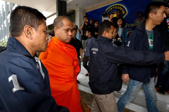 Một nhà sư bị bắt giữ trong cuộc khám xét ngày 24/5