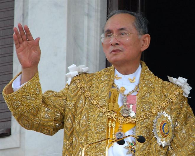 Nhà vua Thái Lan Bhumibol Adulyadej