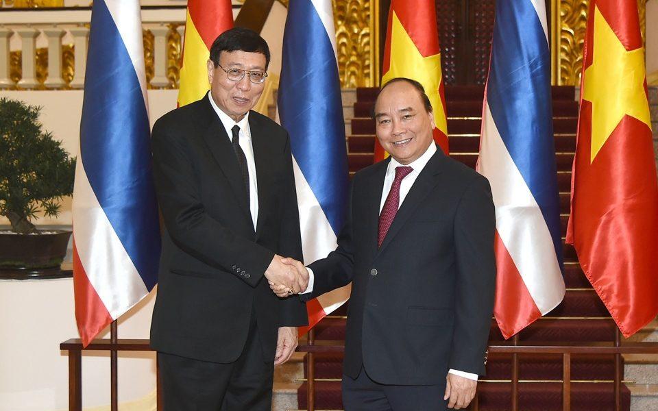 Thủ tướng Nguyễn Xuân Phúc và Chủ tịch Hội đồng Lập pháp quốc gia Vương quốc Thái Lan Pornpetch Wichitcholchai.