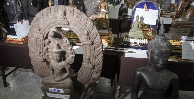 Tượng Phật thu giữ được trong nhà Pongpat.