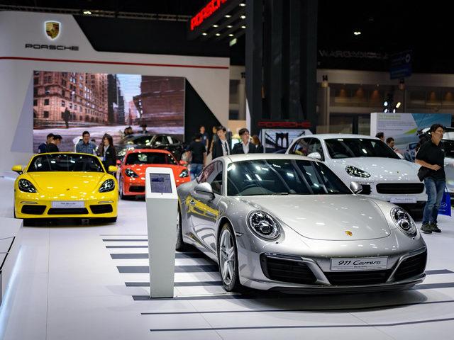 ngành công nghiệp ô tô Thái Lan đã vươn lên vị trí số 1 ASEAN và thứ 9 thế giới với sản lượng 2,5 triệu xe được sản xuất vào năm 2013, và 2 triệu xe mỗi năm