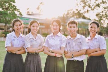 Cấm đuổi nữ sinh mang thai tại Thái Lan.