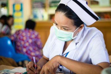 y tá tại bệnh viện