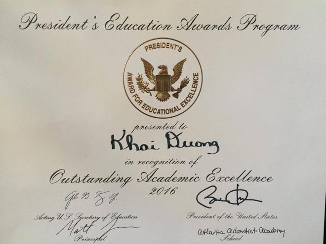 Giấy khen của cựu tổng thống Obama và Bộ Giáo dục Hoa Kỳ dành cho Dương Đình Khải