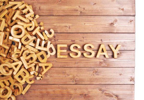 Bài luận trong hồ sơ du học nên nêu được phẩm chất bản thân chứ không phải để khoe khoang