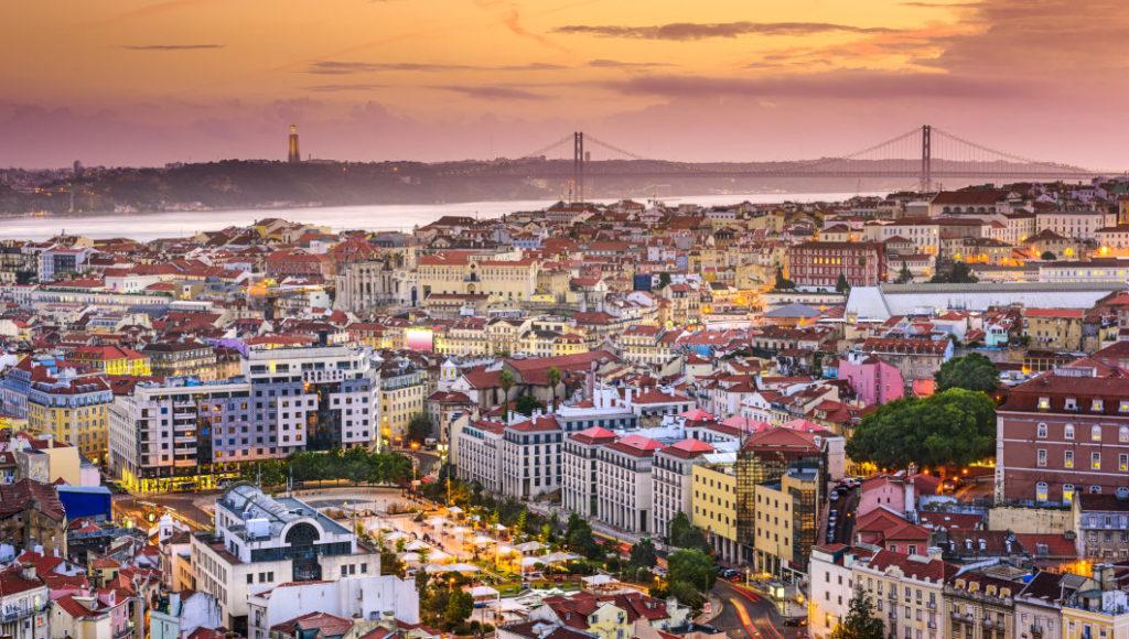 Thủ đô của Bồ Đào Nha cung cấp cuộc sống đô thị quốc tế, các di tích lịch sử, văn hóa phong phú, kỳ quan ẩm thực và nhiều hơn nữa.
