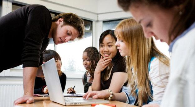 """Chăm chỉ học hành là cách để dành được học bổng """"full-ride scholarship"""" tốt hơn"""