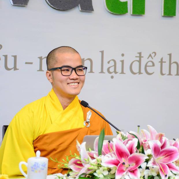 Chánh niệm về Phật pháp và giáo dục của sư thầy nhận được học bổng toàn phần đại học Yale và Harvard Mỹ