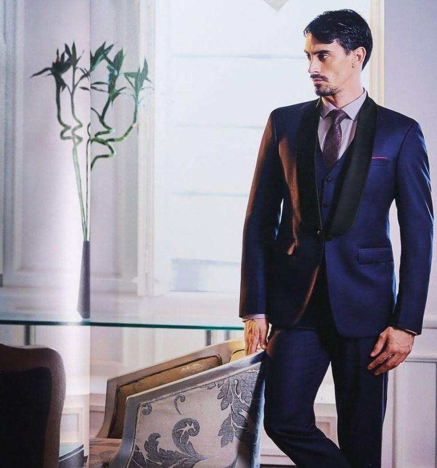 Vải Wool được sử dụng phổ biến để may đồng phục vest namA