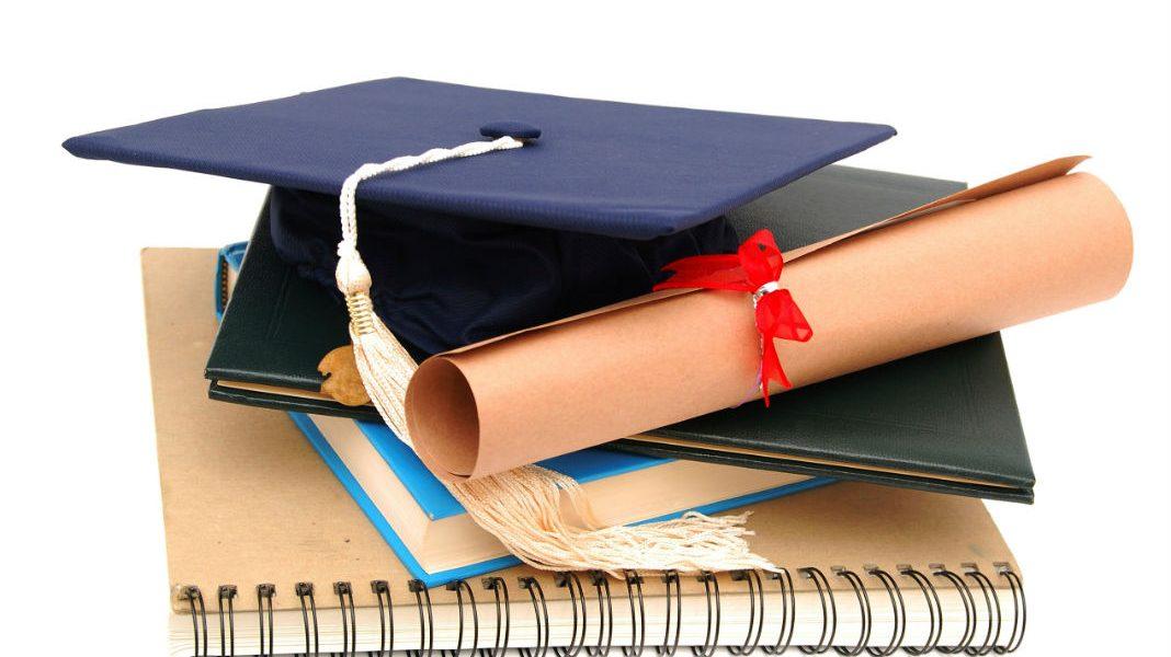Nên tìm hiểu kỹ thông tin, chọn lựa và đầu tư vào chương trình học bổng mà bản thân đủ khả năng đáp ứng