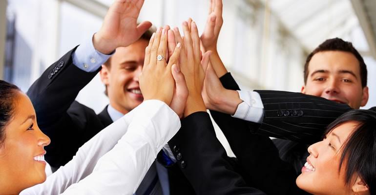 Người chuyên nghiệp là người đối mặt với người mình không thích vẫn bình thường như không có gì